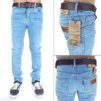 celana jeans biru muda standar