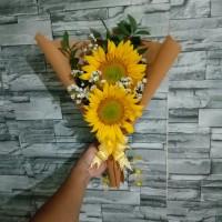 Buket bunga matahari asli   Bucket wisuda   hand bouquet