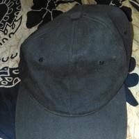 Topi pria hitam polos