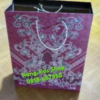 "Paper bag Batik XL "" Besar2 "" karton doff Merah maroon"