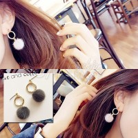 Anting Import Korea Simple Short Ring Tipe Pompom Bulu Mewah (E141142)