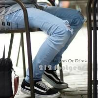 Celana jeans panjang sobek lutut jeans ripped pria celana levis robek