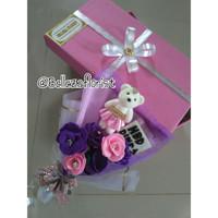 Buket dan Box Bunga Flanel / Buket Wisudah / Buket Hadiah Ulta /But