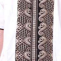 K7837 Kemeja Batik Koko Bordir Tengah