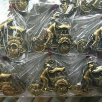 souvenir pernikahan gantungan kunci unik