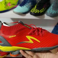 Sepatu Futsal Specs Accelerator Infinity In Emperor Red