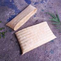 dompet segi panjang souvenir anyaman kerajinan bambu blicing