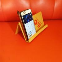 Display handphone, pajangan tablet