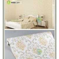 Bunga gold classic 45cm x 10mtr ~ Wallpaper dinding sticker