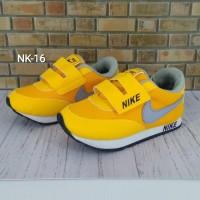 Sepatu Nike Anak Orange - 29