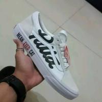 Sepatu Vans Oldskool x Patta x Mean Eyed Cat Cream - Premium