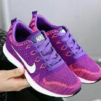 Sneakers Nike U29 / Sepatu Wanita / Sepatu Murah