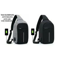Tas Selempang Anti Maling & Anti Air Smart Crossbody Bag USB Charger