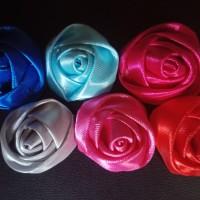 Aplikasi bunga mawar kuncup satin uk 3 cm untuk bahan bros, buket,dll