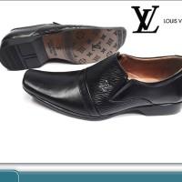 Sepatu pantopel/pantofel/pancus kulit asli LV/ Louis Vuttion