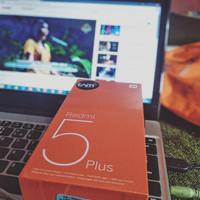 Xiaomi Redmi 5 Plus Ram 3GB Internal 32GB Garansi Resmi TAM