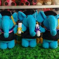 Boneka Wisuda - Bentuk Gajah, Tinggi 25cm (Boneka Gajah)