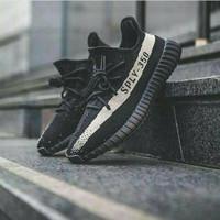 Sepatu Adidas Yezzy Boost V2 350 Black Size 39-44 Sneakers terbaru