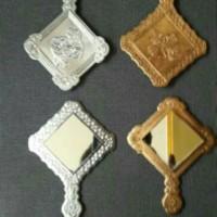 souvenir pernikahan cermin kotak emas / perak