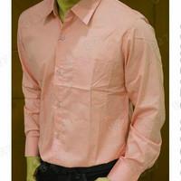 kemeja pria polos lengan panjang warna salem atau peach