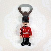 Souvenir Mancanegara | Magnet Kulkas Pembuka Botol Prajurit London