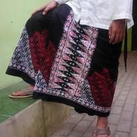 Sarung celana batik cap hitam merah