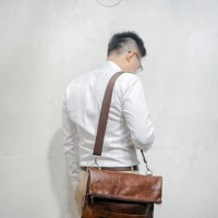 LUCCA brown Tas selempang - Clutch (Hybrid bag) from The Daily Smith