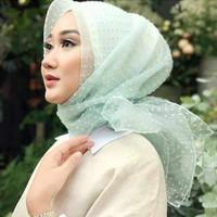Jilbab segi empat RUBIAH POLKA / ORGANZA POLKA /
