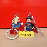 Gantungan kunci superman supergirl couple lego minifigure souvenirs