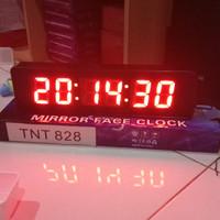 Jam digital dinding dan meja 828 ada detiknya