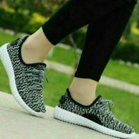 Sepatu yeezy adidas bintik hitam TERMURAH
