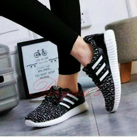 Sepatu adidas yeezy bintik hitam strip putih termurah