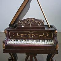 Classic piano - music box