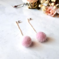 Anting Korea Fur Pompom Fuzzy Ball Diamond Hijab E047