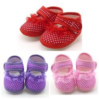 sepatu prewalker bayi dan anak merah