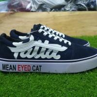 Sepatu sneakers casual vans old skool patta mean eyed cat navy men