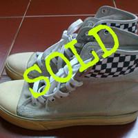 Sepatu Kets Zeintin (Gray) / Preloved