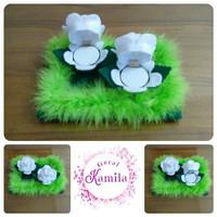 kotak cincin pernikahan pasangan pengantin
