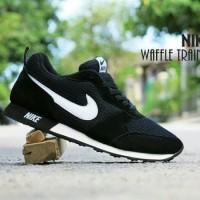 Sepatu Casual Sport Nike Waffle Trainer / MD Runner Hitam Putih Pria