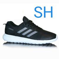 Sepatu adidas ringan dan kuat