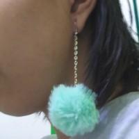 Anting Pom Pom Bulu Halus Impor 4 cm (Biru Mint)