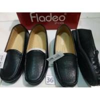 sz 36-37 Flatshoes hitam merk FLADEO