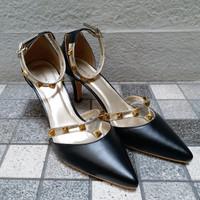 Sepatu High Heels Hitam CLAYMORE 7cm