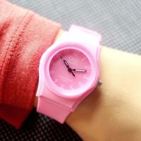 Jam tangan QnQ 0113 WB