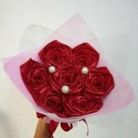 buket bunga satin handmade hadiah valentine wisuda ultah
