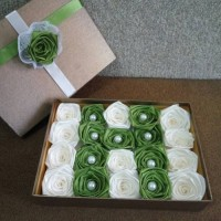 bunga satin/handmadeflower/ bunga wisuda/ bunga hadiah kado/bunga box