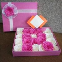 bunga box hadiah bunga satin valentine wisuda handmade murah