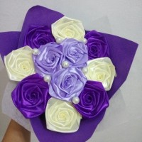 buket bunga satin hadiah wisuda valentine ultah sidang handmade