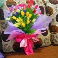 buket bunga artificial tulip hadiah wisuda valentine ulangtahun