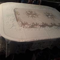 taplak meja makan 4 kursi 135x180cm.